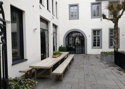 Hotelgarten im Rheinland